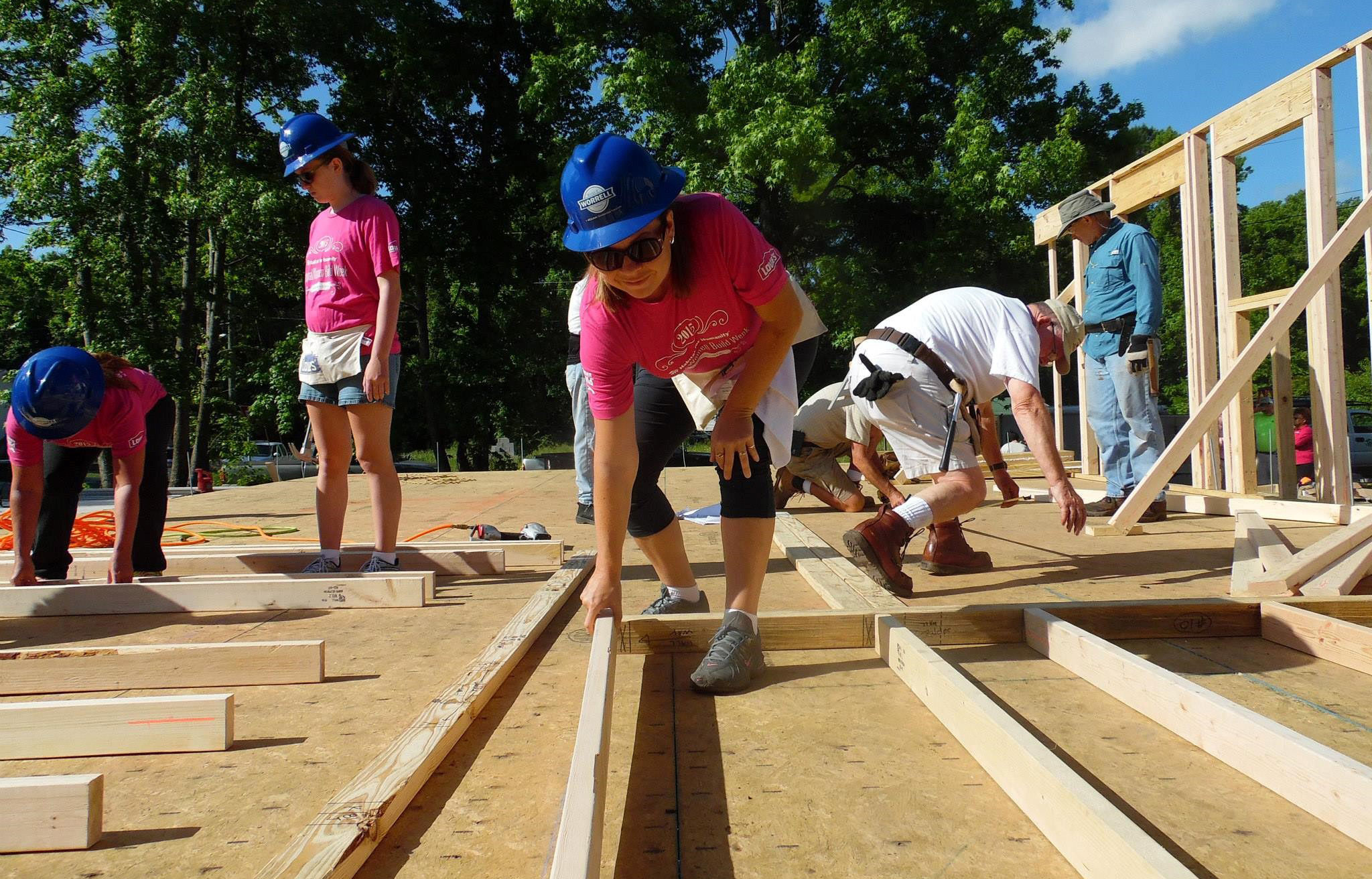 Savannah office supports habitat for humanity 39 s women build project je dunn construction for Construction habitat